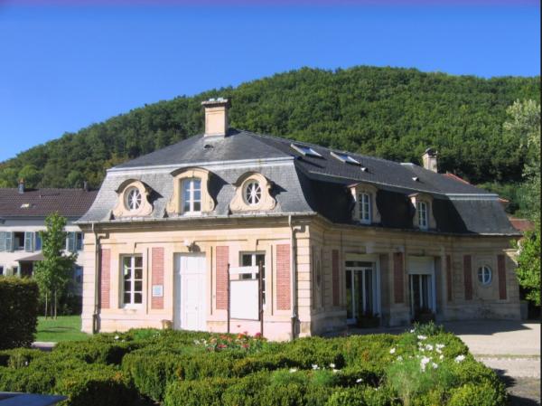 Villa-Burrus